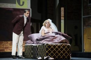 Emily Newton (Roxy), Lucian Krasznec (Gjurka)  ©Thomas Jauk / Stage Picture
