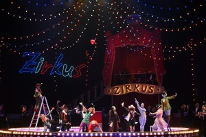 Die Zirkusprinzessin/ Deutsche Oper am Rhein/  Ensemble FOTO: Hans Jörg Michel
