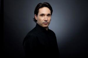 Dirigent Henrik Nánási (Foto: Gunnar Geller)