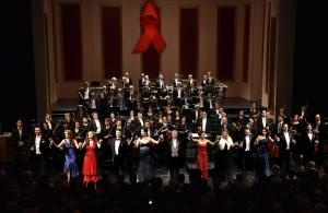 5. März 2016: Applaus für die 7. Festliche Operngala für die Deutsche AIDS-Stiftung im Opernhaus Düsseldorf. FOTO: Paul Esser