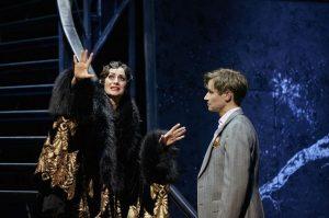Pia Douwes (Norma Desmond), Oliver Arno (Joe Gillis) ©Thomas Jauk, Stage Picture