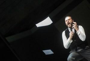 """Aris Argiris als Figaro in """"La mere coupable"""""""