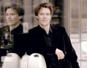 Foto Sebastian Klinger, Solist im 9. Sinfoniekonzert (Foto: Georg Thum)