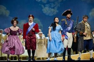 Gullivers Reise OPERNHAUS DORTMUND /Tamara Weimerich, Almerija Delic, oliver Weidinger, Luke Stoker u. Sangmin Lee/ Foto ©Thomas Jauk, Stage Picture