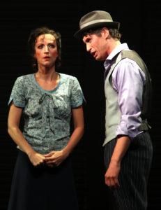 """Theater Hagen/ Marianne aus """"Die Geschichten aus dem Wienerwald"""" von HK Gruber (nach Horvath) / zusammen mit Kenneth Mattice/ Fotograf: Klaus Lefebvre"""