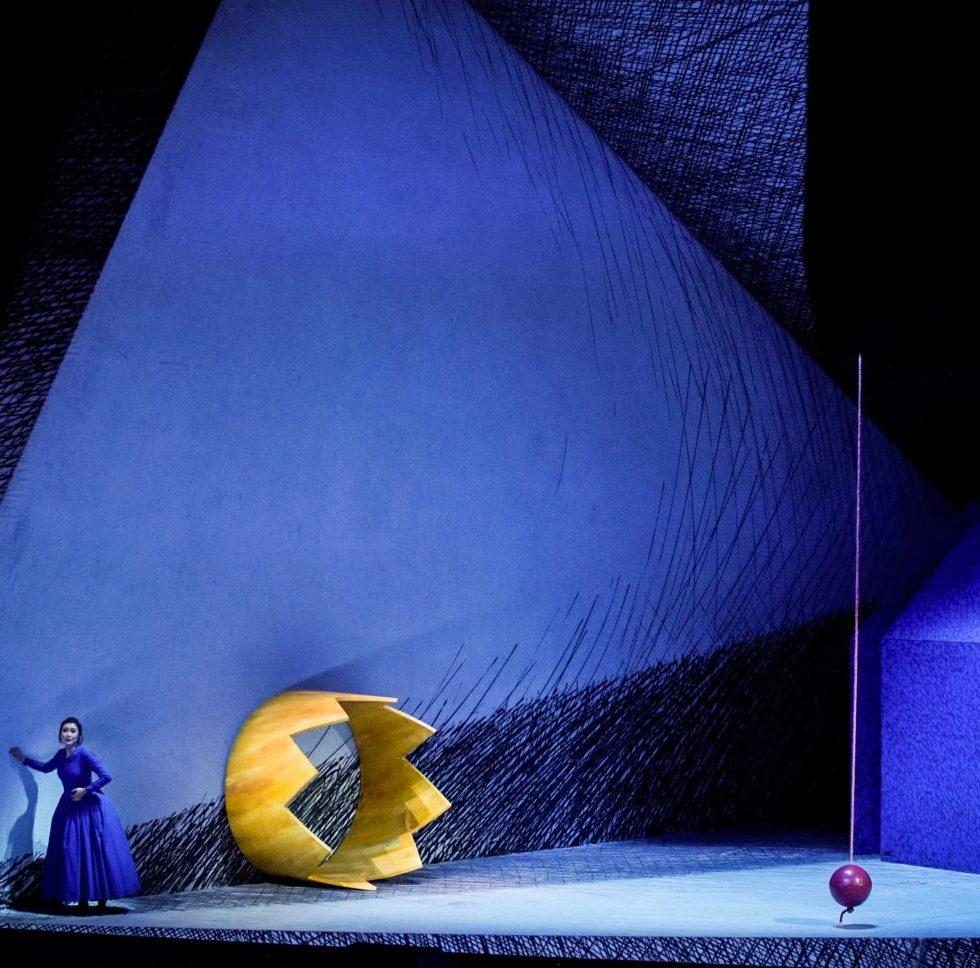 Staatsoper Hamburg/ RIGOLETTO/ Foto @ Arno Declair