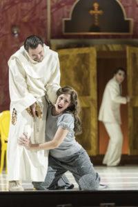 Theater Augsburg/ La Forza des destino/ Stanislav Sergeev, Sally du Randt Foto: Jan-Pieter Fuhr