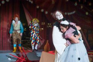Volkstheater Rostock/BAJAZZO/ James J.Kee und Laura Meenen&Ensemble/ Foto @ Frank Hormann