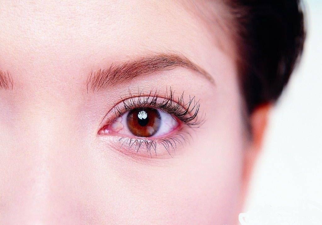 [新聞] 眼睛紅血絲怎麼祛除 - AM眼科