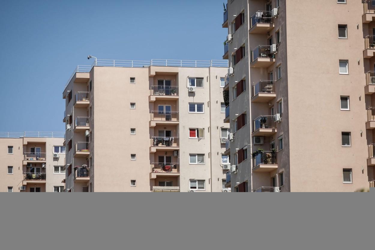 Românii vor cu orice preț să devină proprietari. 99% dintre persoanele cu vârste peste 35 de ani au locuința lor
