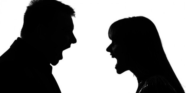 couple-fighting-silhouette-800×400