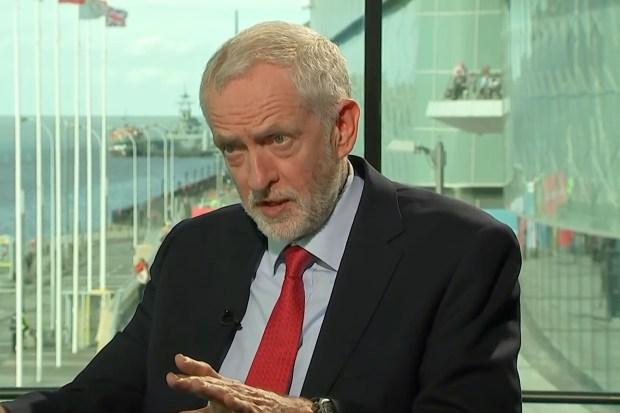 Labour-leider Jeremy Corbyn tijdens een interview op Channel 4 (25 september 2018).