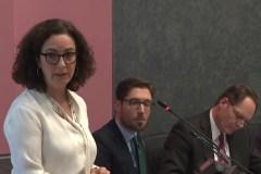 Burgemeester Halsema geeft uitleg in de Amsterdamse gemeenteraad over haar uitspraken over het handhaven van het boerkaverbod (28 november 2018)