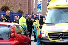 Politie en hulpverleningsdienst bij de school in Rotterdam waar Humeyra werd vermoord
