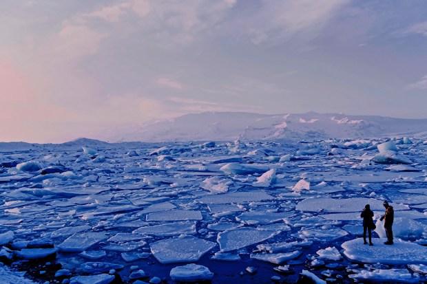 ijsschotsen bij IJsland
