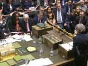 Theresa May tijdens haar verklaring na de stemming over de Brexit-deal (15 januari 2018).