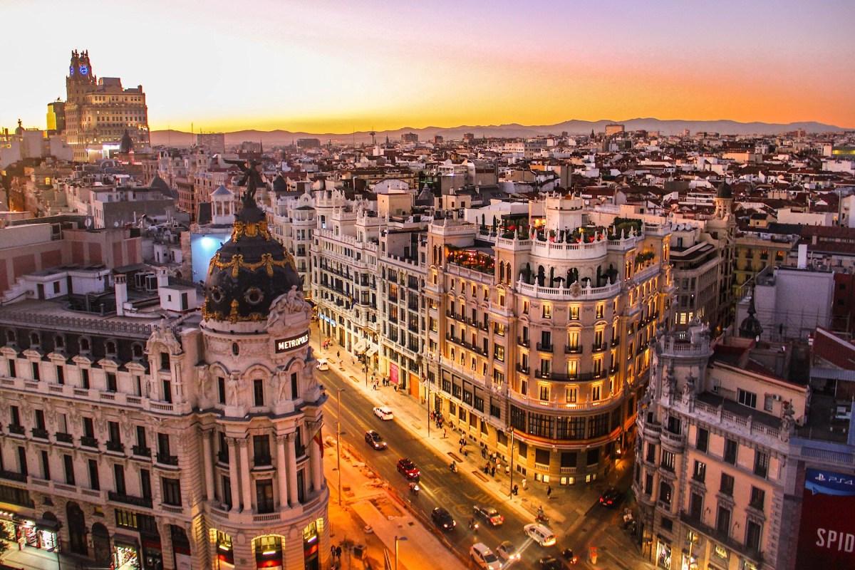 Spanje koerst af op verhitte verkiezingen