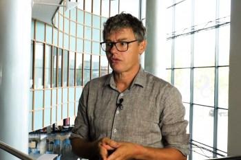 """Titelfoto bij artikel Henk Strating op OpinieZ.com """"Leo Lucassen ontkent immigratie- en integratieproblemen"""""""