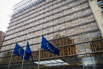 """Titelfoto bij artikel redactie opiniez.com """"Nederland, de EU en de Euro: verstandig verder (2)"""""""