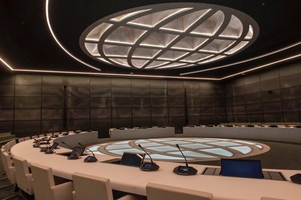 """Titelfoto bij artikel Uri van As op OpinieZ.com """"Het ministerie van Duistere Zaken"""""""