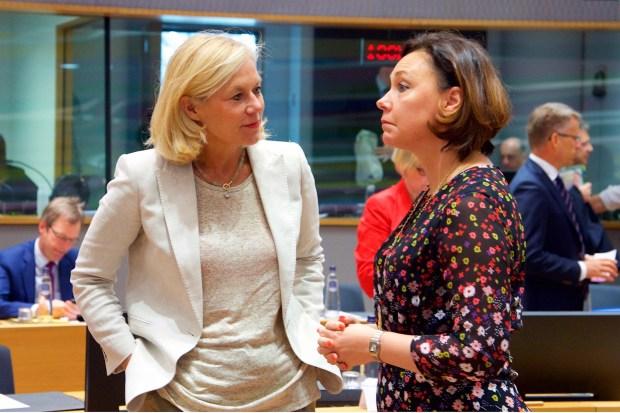 """Titelfoto bij artikel Wouter Roorda op OpinieZ.com """"Social Justice Warriors zijn de baas op BuZa"""""""