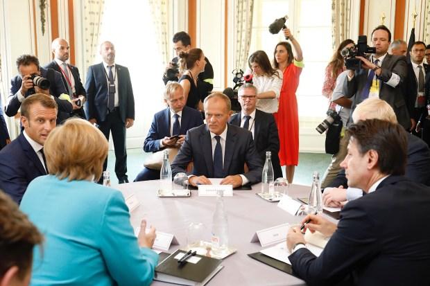 """Titelfoto bij artikel George van Bergen op OpinieZ.com """"Nexit: het antwoord op Brusselse onzin"""""""