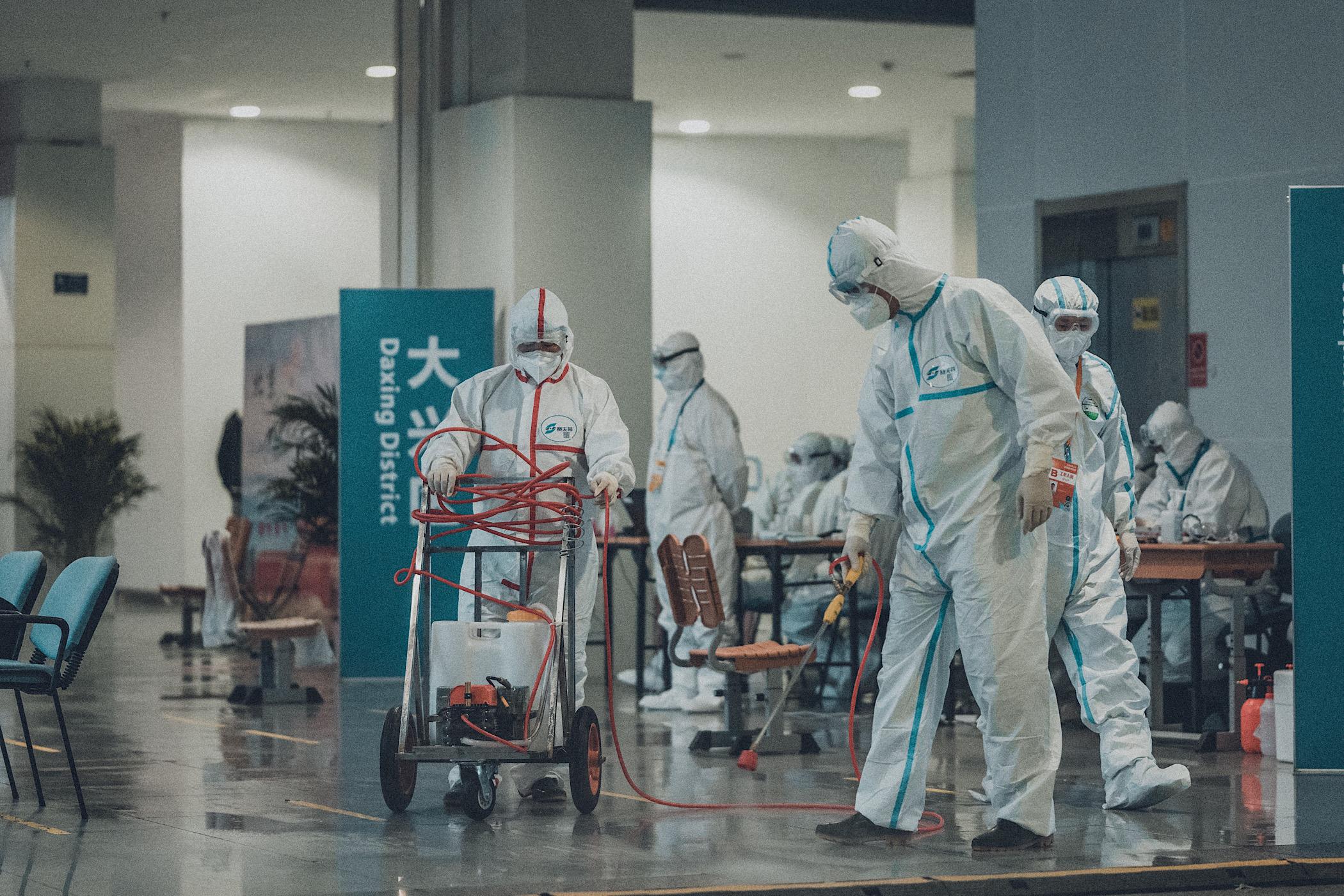 Ongekend Corona-killervirus of vooral ongekende paniek? Stefan Noordhoek opiniez