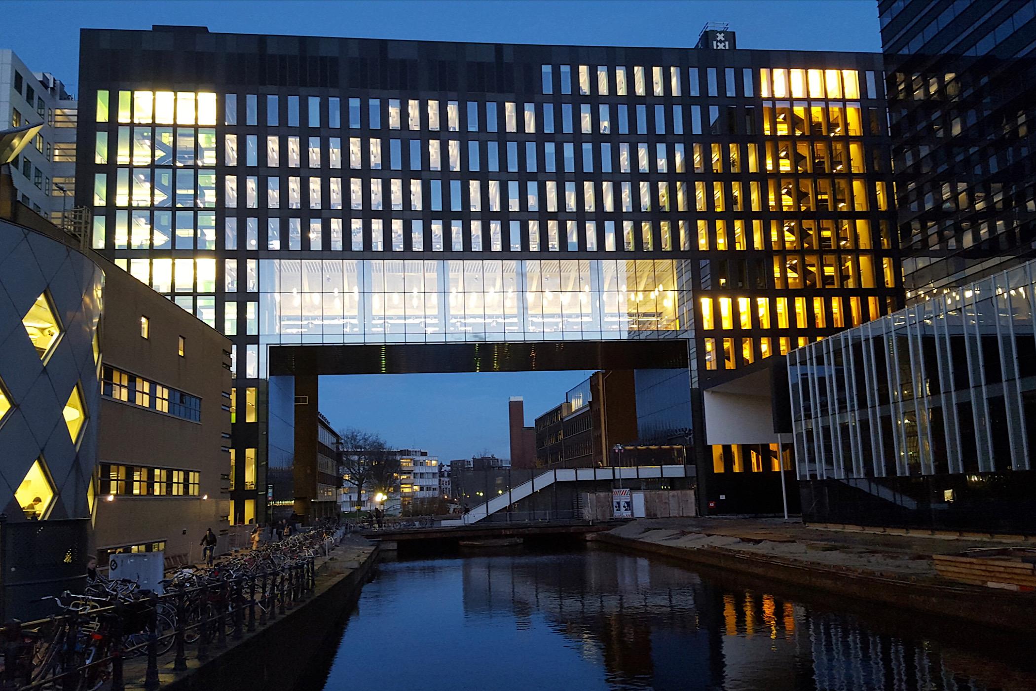 Tenenkrommende racisme-excuses van de Universiteit van Amsterdam Wouter roorda opiniez