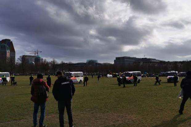 Anti-corona demonstratie Malieveld politiegeweld Den Haag