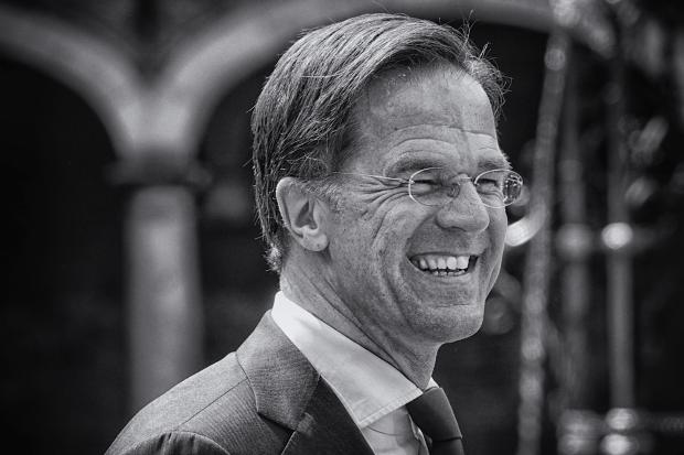 Titelfoto bij Help, Rutte IV gaat Nederland verbouwen! Johannes vervloed OpinieZ @Diplo_jv