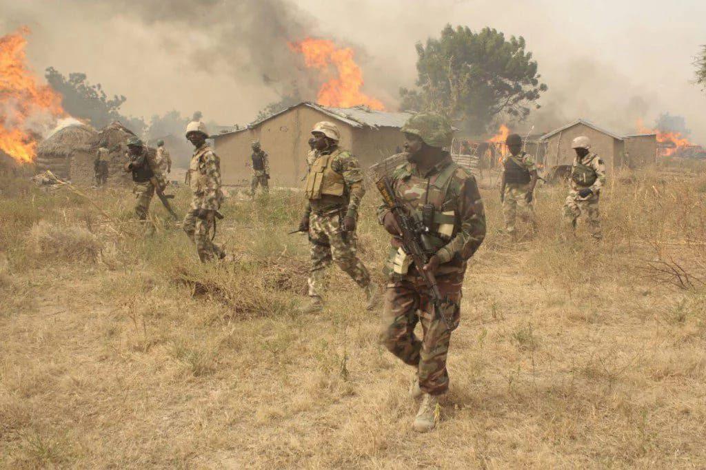 nigerian-army-burning-sambisa-forest