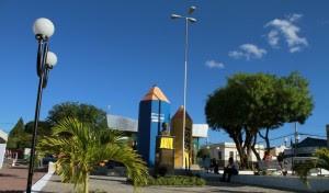 Adolescente embriagado depreda praça em Monteiro 5