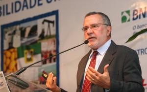 Carlos_Batinga2-300x187 Batinga descarta candidatura a prefeito de Monteiro este ano