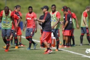 fla-300x200 Flamengo anuncia que vai jogar o Campeonato Carioca com titulares