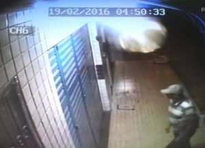 12053253_1187111684633643_574139641_n-300x216 Ladrão tenta roubar mais um estabelecimento comercial em Serra Branca; veja vídeo