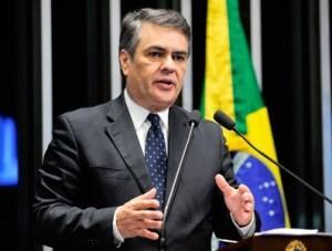 Cássio-nova-2-300x227 Cássio diz que protestos de hoje são decisivos para tirar Dilma da presidência