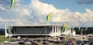 Palacio-do-Planalto-300x146 Planalto prevê 'efeito dominó' se PMDB sair do governo