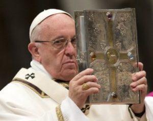 Papa-310x245-300x237 Papa rejeita doação em dinheiro de Macri que continha número 666