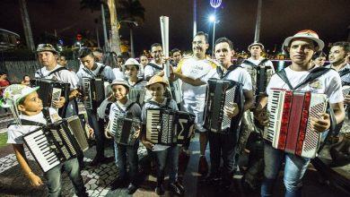 Sanfoneiros do Cariri Recepcionam  a tocha olímpica em Campina Grande 2