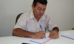 timthumb-13-547x330-1-300x181 Arnaldo Albino e a onça por Nal Nunes