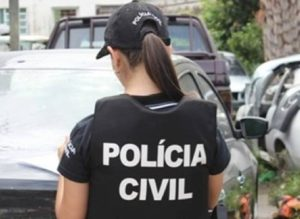201608180742310000002702-300x219 Polícia deflagra ação contra tráfico e homicídios e cumpre 28 mandados