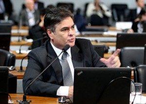 Cássio_PGR-300x213-300x213 Cássio revela ameaças de morte por votar contra Dilma e aciona Polícia Federal