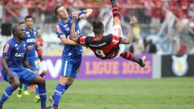 Flamengo vence de virada e complica o Cruzeiro 6