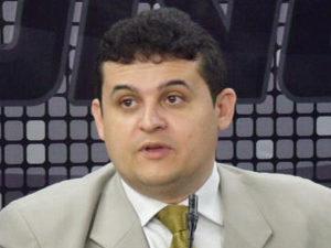 Célio-Alves-300x225 Após denúncia de agressão à namorada, Secretário entrega cargo no Governo do Estado