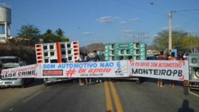 Protesto contra lei que proíbe som alto em veículos interdita BR no Cariri 7