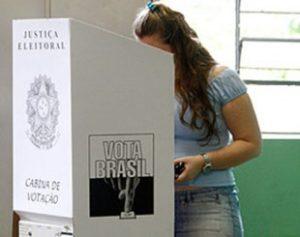 urna-brasil-310x245-300x237 Eleição tem 496,8 mil candidatos no país