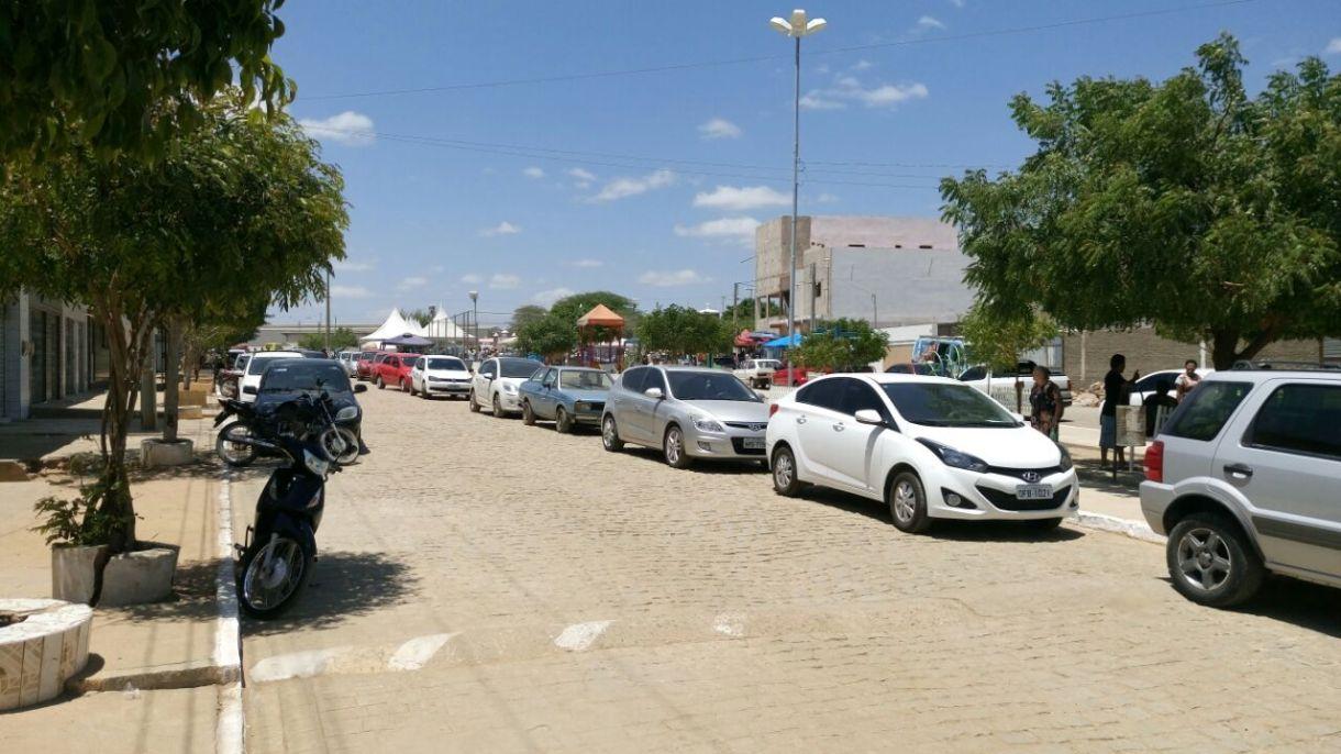 14bb0734-9931-4d54-879c-e72291e759a4 Dia de finados foi bastante movimentado em Monteiro