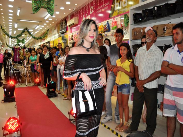 15235704_1789360911337100_7759265469101504215_o-Copy Sucesso total Look Bia + é lançado em Monteiro com grande público