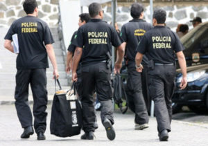 Operação-Lava-Jato-300x211 Procuradores da Lava Jato ameaçam renúncia caso Temer sancione pacote