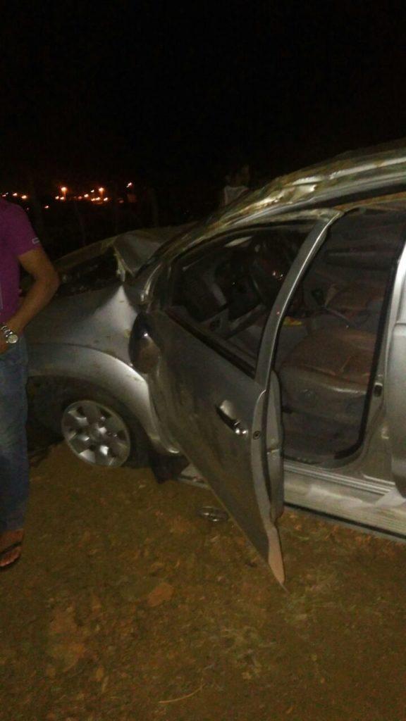 a95a0eb6-0f34-4db8-953d-73661e704602-576x1024 Caminhonete Roubada no Congo capota após perseguição policial